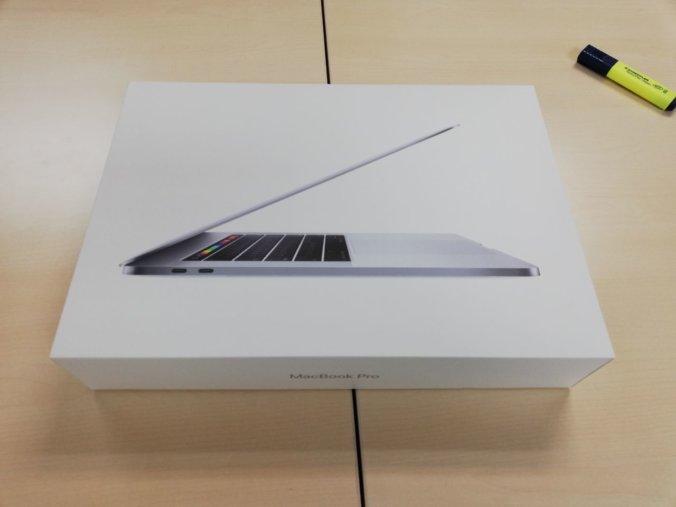 Macbook box